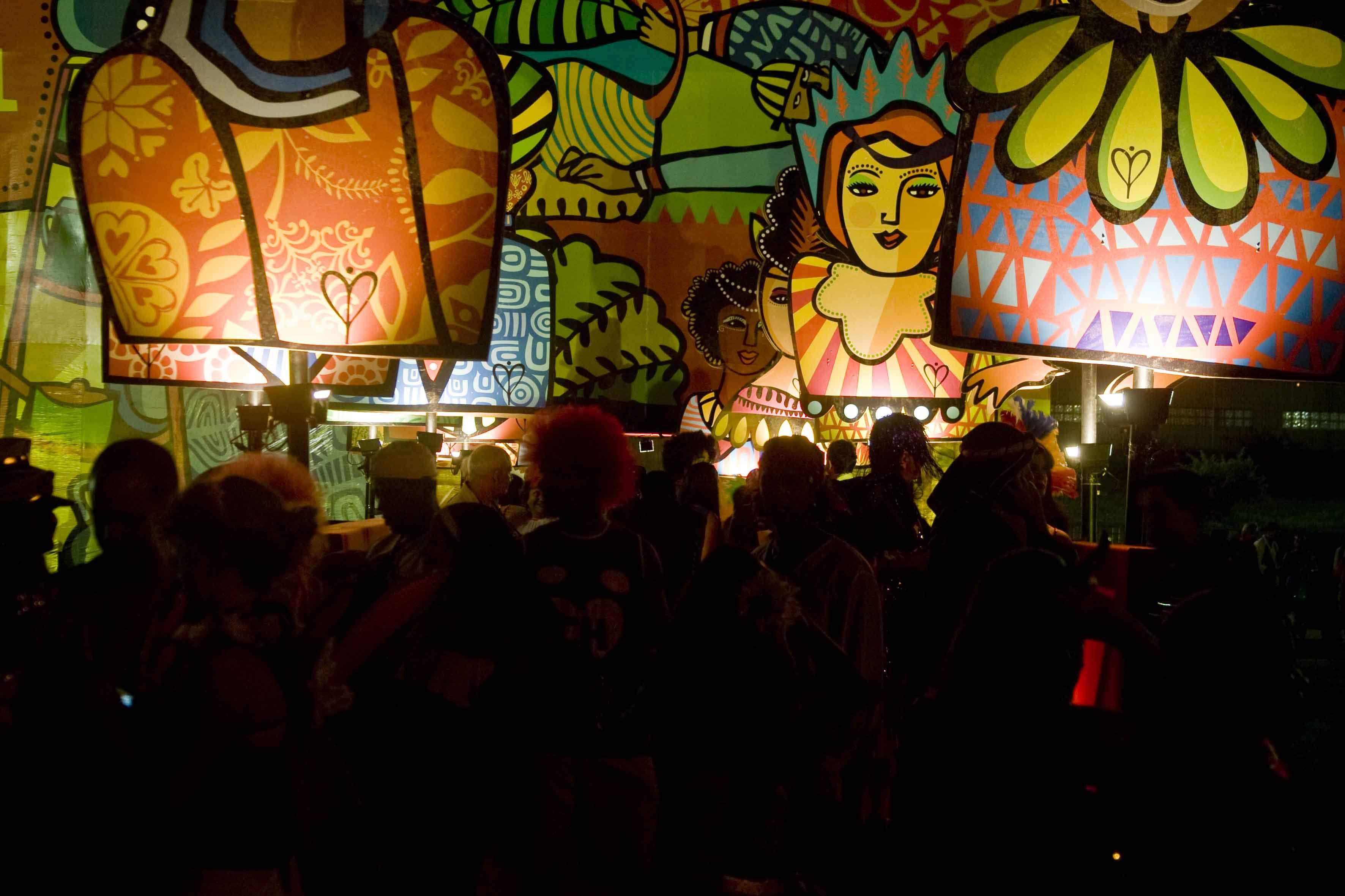 """Joana Lira, exposição """"Quando a vida é uma euforia"""", carnaval 2009_JOSIVAN RODRIGUES_4"""